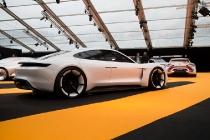porsche_mission_e_concept_car_07