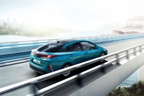 toyota_prius-plug-in-hybrid-electric_motor_news_05