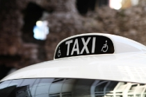 7_taxi_sign
