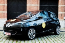 renault_zoe_r240_family_car_of_the_year_2016_01