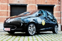 renault_zoe_r240_family_car_of_the_year_2016_02