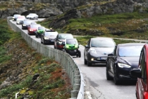electric-car-rally-in-geiranger-norway
