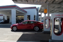 tesla_model_s_p85d_supercharging_rocklin
