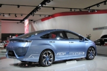 toyota_fcv-r_fuel_cell_concept_2012_02
