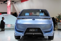 toyota_fcv-r_fuel_cell_concept_2012_03