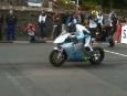 2011-tt-zero-motorcycle-race-winning-team-motoczysz_02