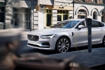 volvo_s90_twin_engine_t8_