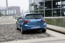 volkswagen_golf_metano_07