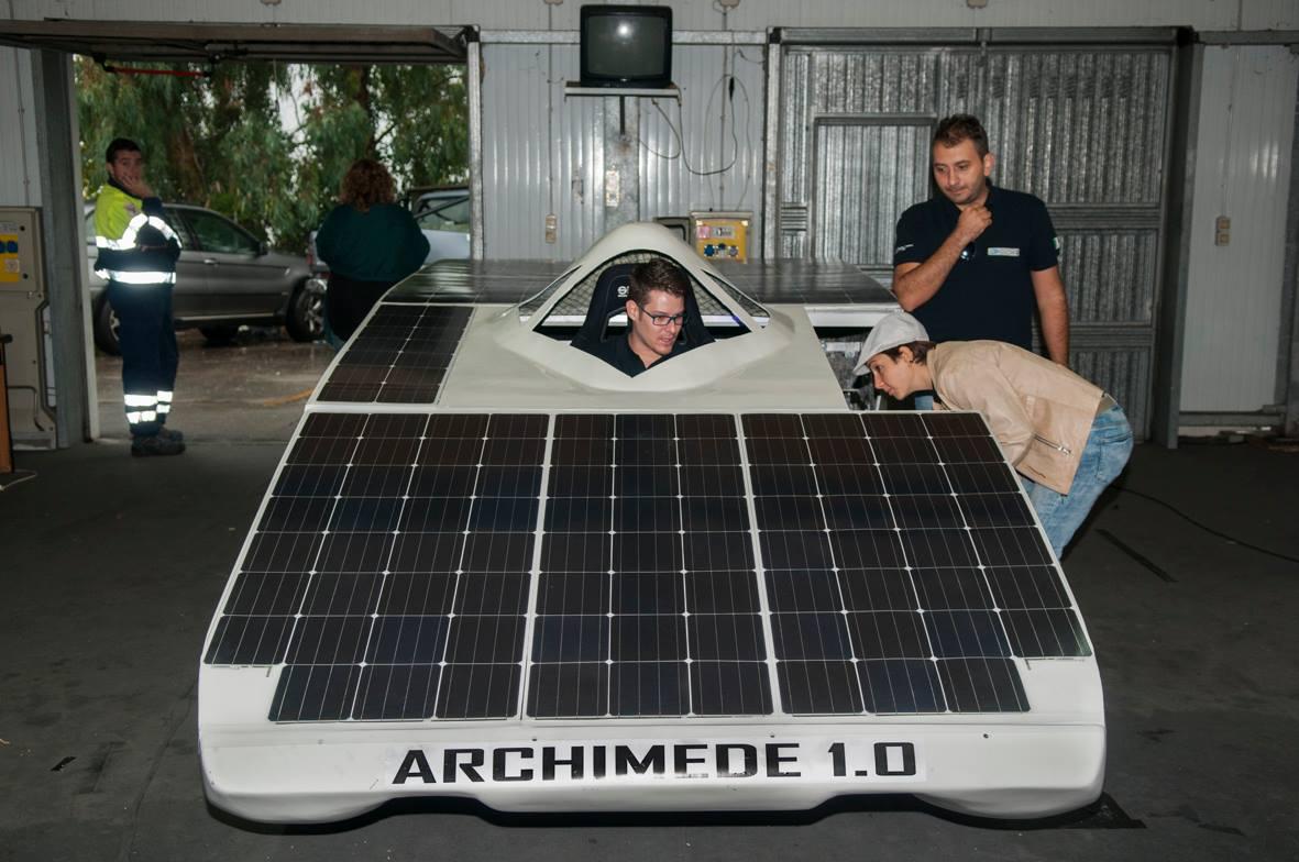 L archimede solar car arriva dalla sicilia electric for Mitsuba motor solar car