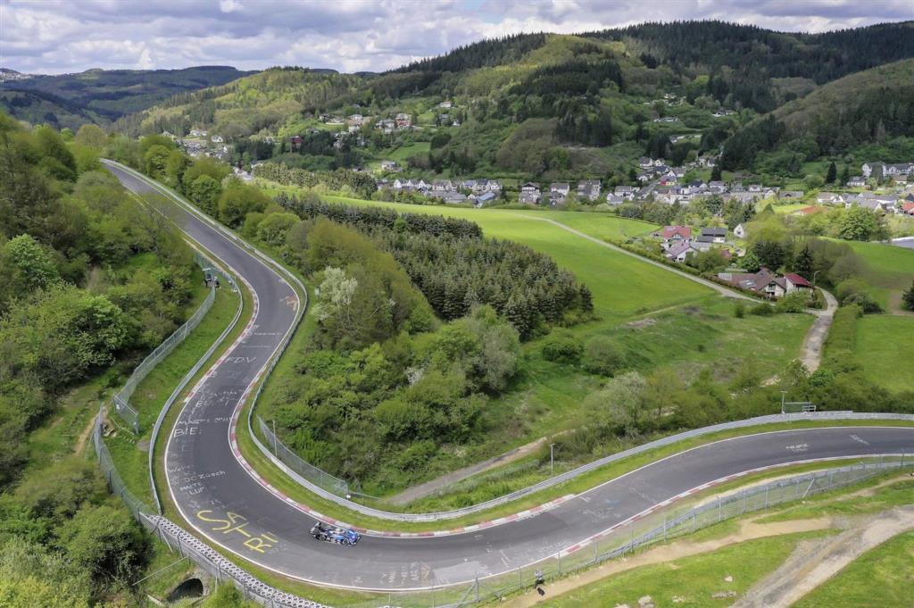 volkswagen_id-r_nurburgring_electric_motor_news_04