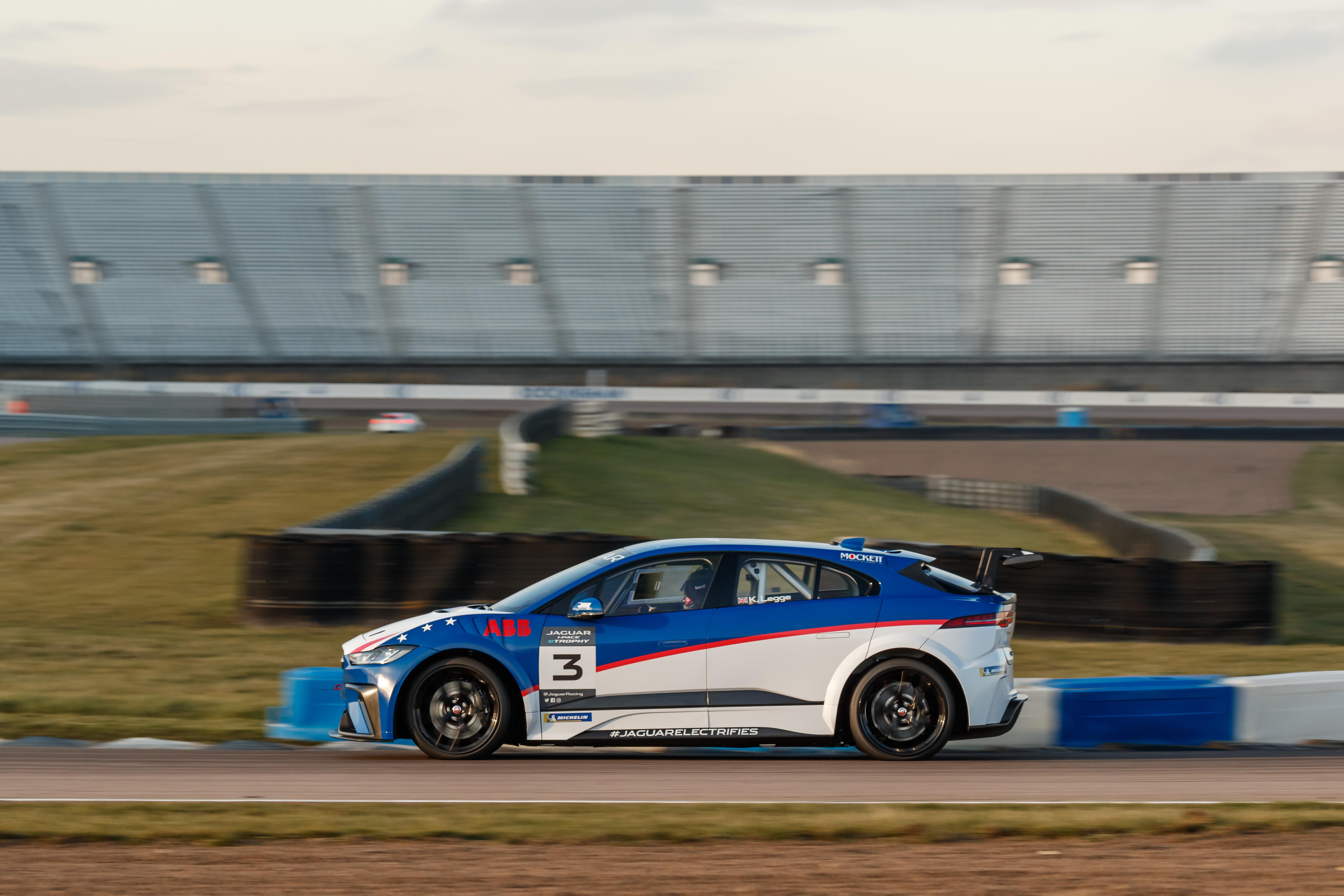 jaguar_i-pace_etrophy_final_test_electric_motor_news_01