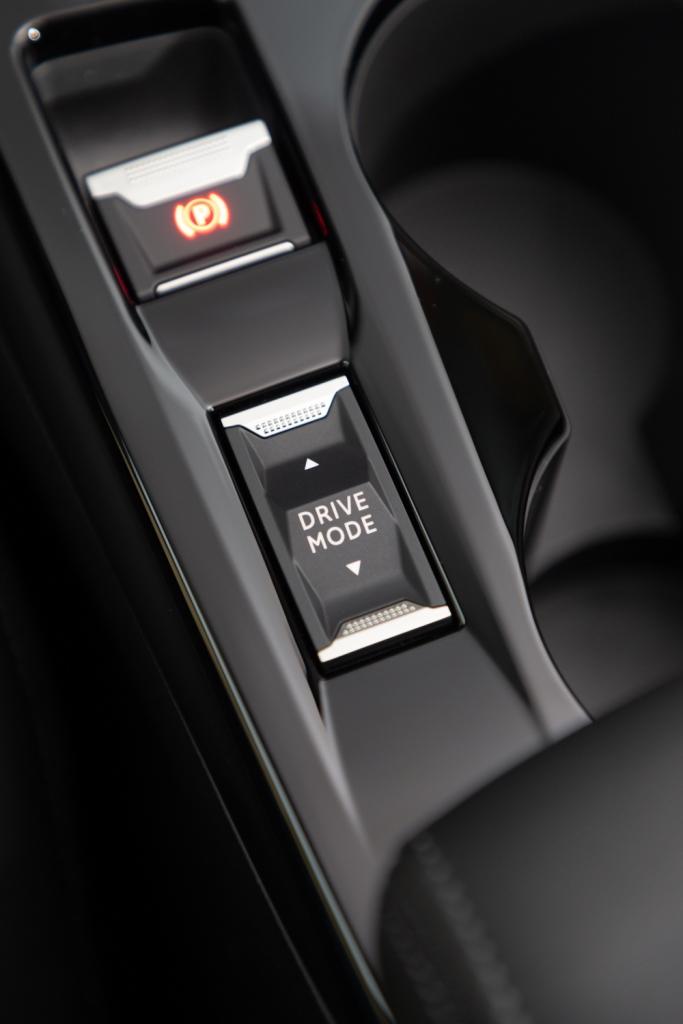 LADVANCED-GRIP-CONTROL-DI-SUV-PEUGEOT-2008-5