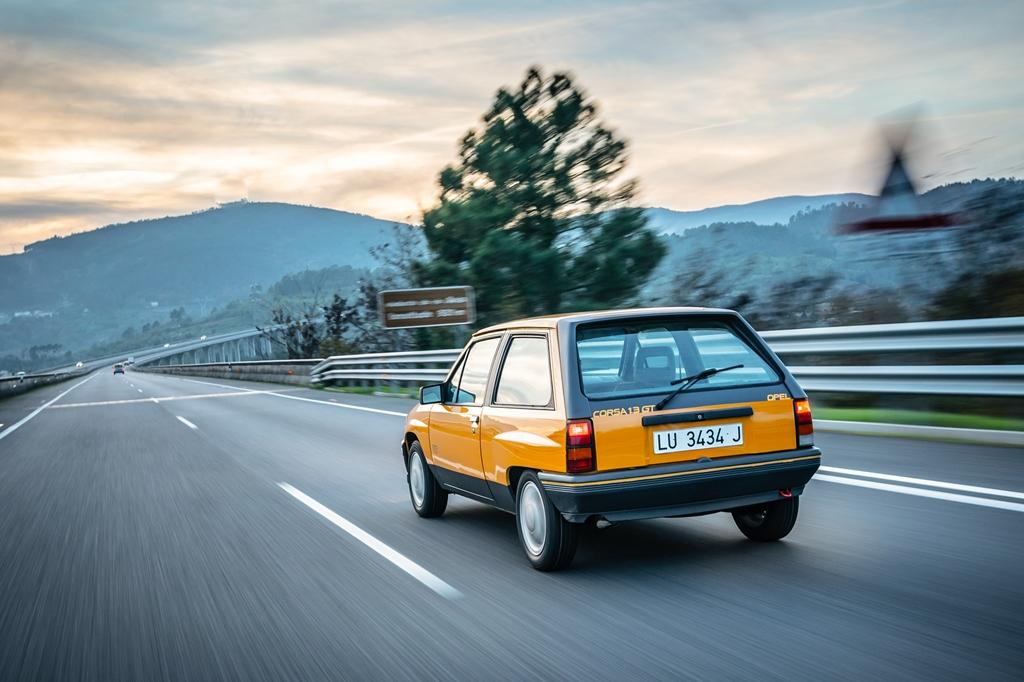Opel_Corsa_1987_Opel_Corsa_GT_05
