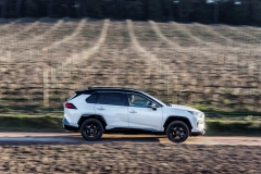toyota_rav4_hybrid_2019_electric_motor_news_20