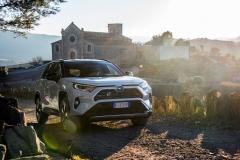 toyota_rav4_hybrid_2019_electric_motor_news_21
