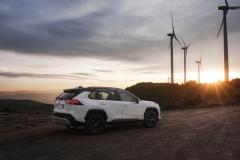 toyota_rav4_hybrid_2019_electric_motor_news_23