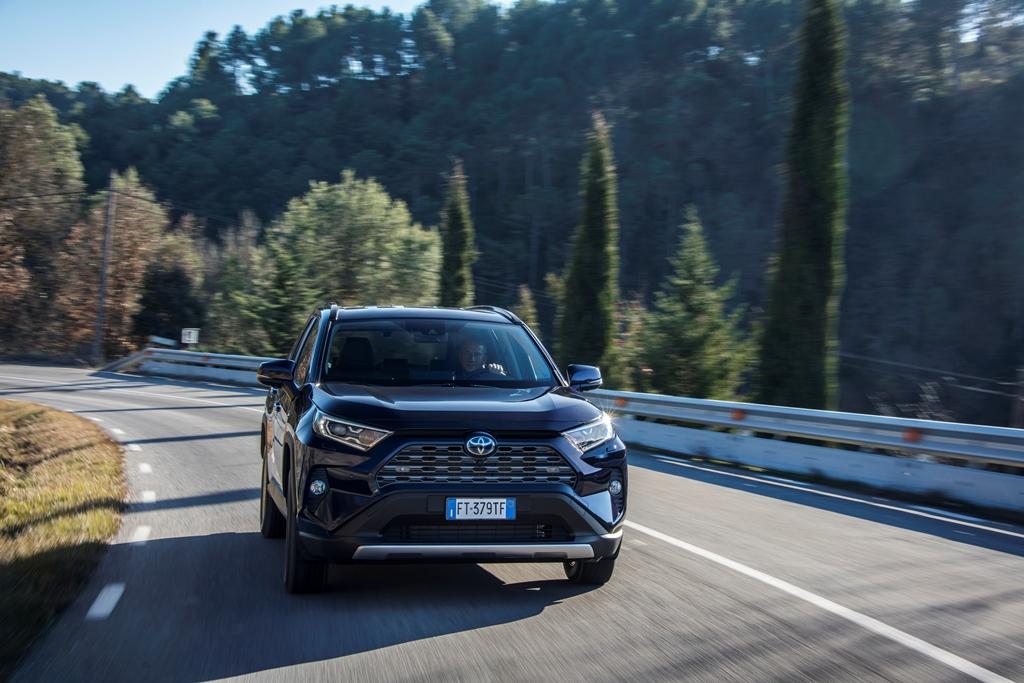 toyota_rav4_hybrid_2019_electric_motor_news_06