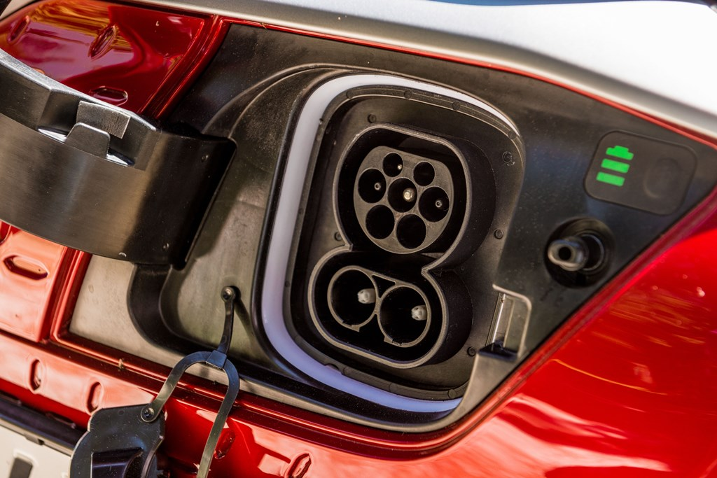 hyundai_kona_electric_uk_electric_motor_news_05