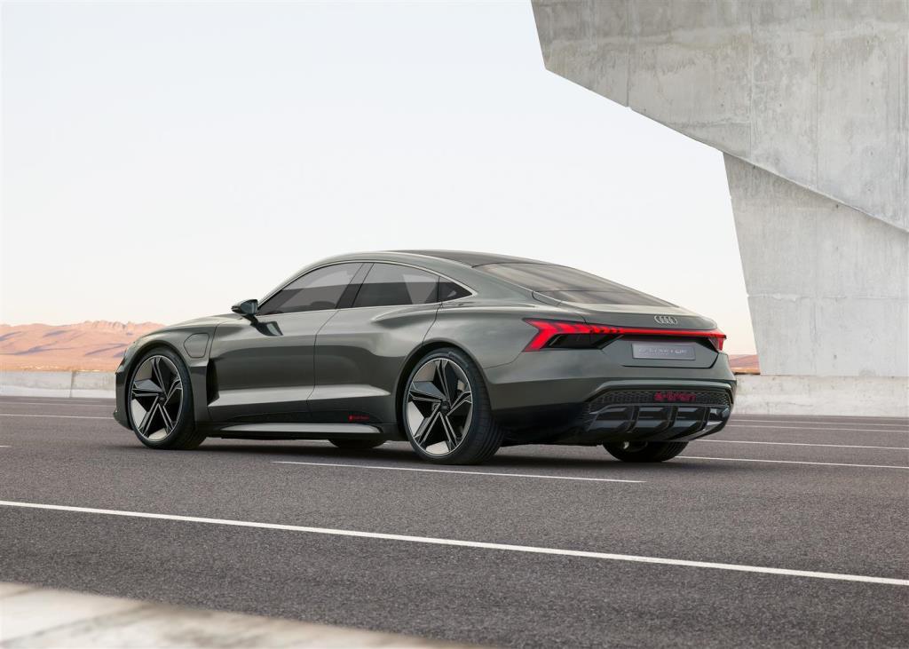 audi_e-tron_concept_electric_motor_news_04