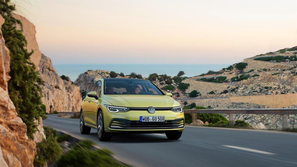 volkswagen_golf_8_electric_motor_news_18