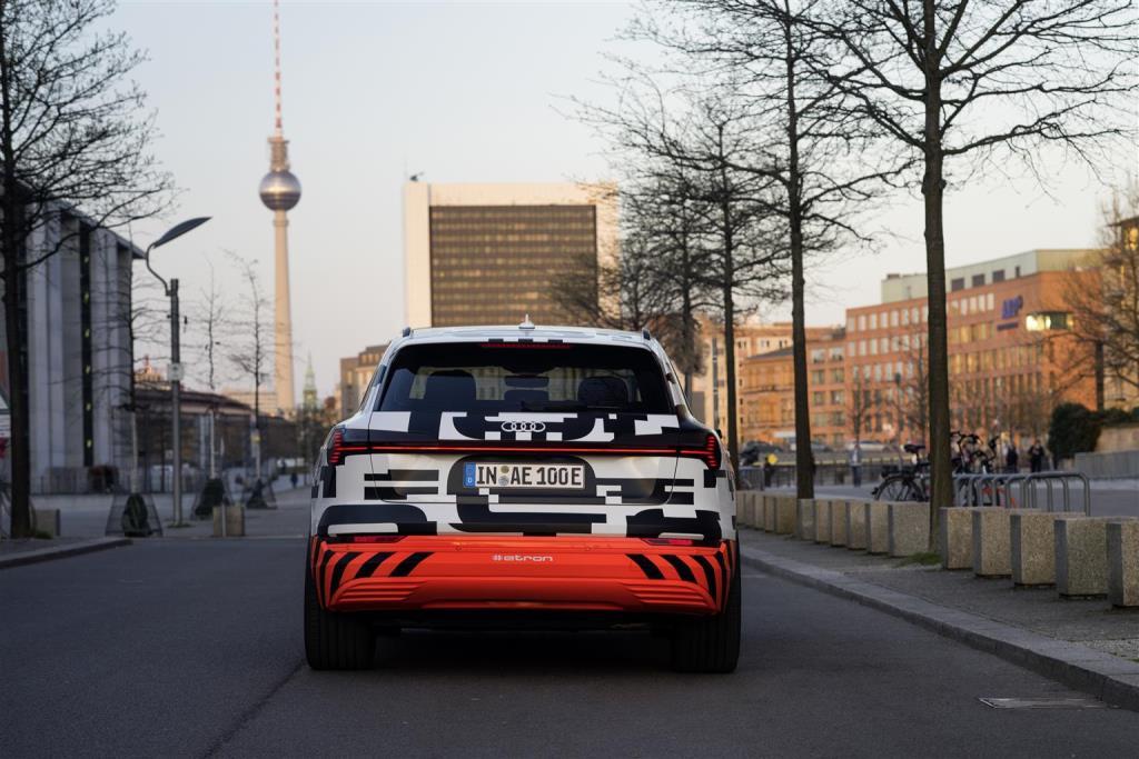 audi_e-tron_prototipo_electric_motor_news_17