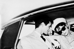1963 Audrey Hepburn ed Antony Perkins nella DS19 Prestige della Hepburn