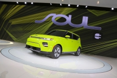 kia_soul_ev_los_angeles_2018_electric_motor_news_04