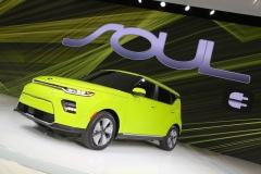 kia_soul_ev_los_angeles_2018_electric_motor_news_05