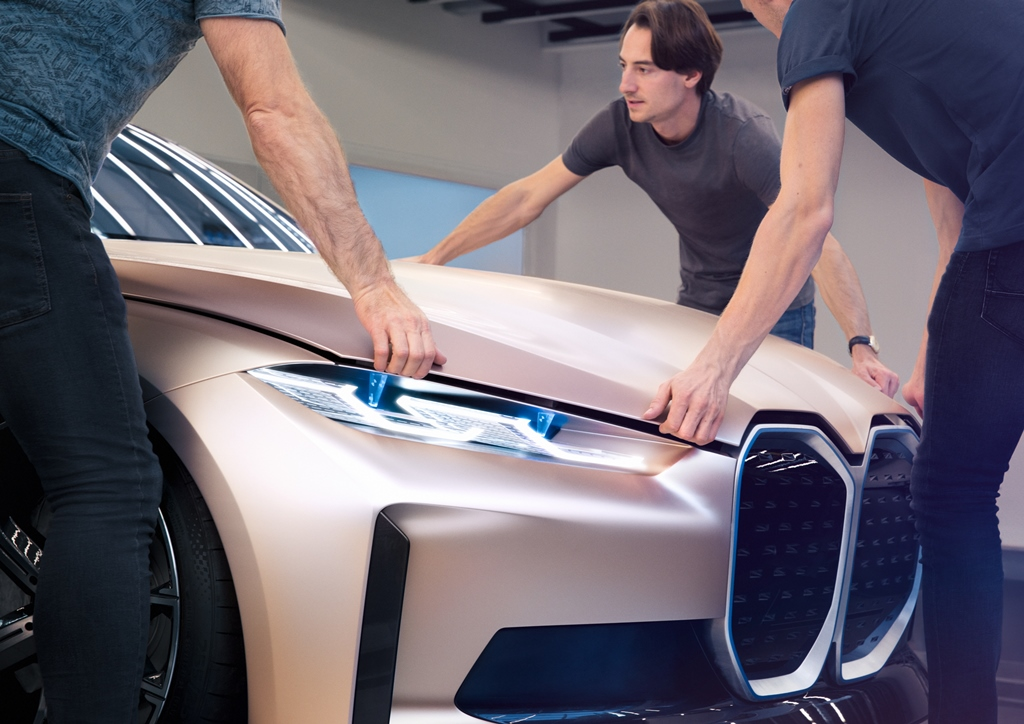 bmw_i4_concept_electric_motor_news_40