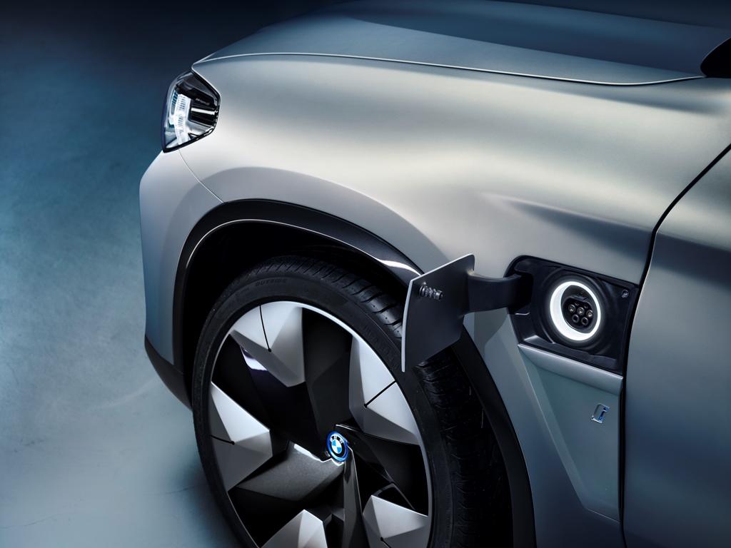 bmw_concept_ix3_electric_motor_news_16