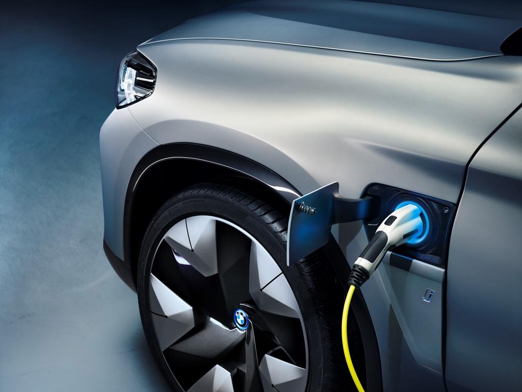 bmw_concept_ix3_electric_motor_news_17