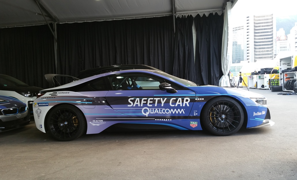 bmw_i8_qualcomm_safety_car_electric_motor_news_02