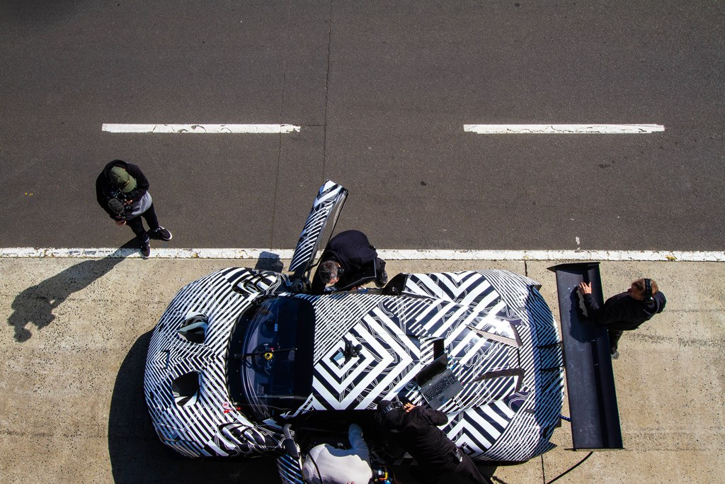 Brabham BT62 testing in pitlane overhead