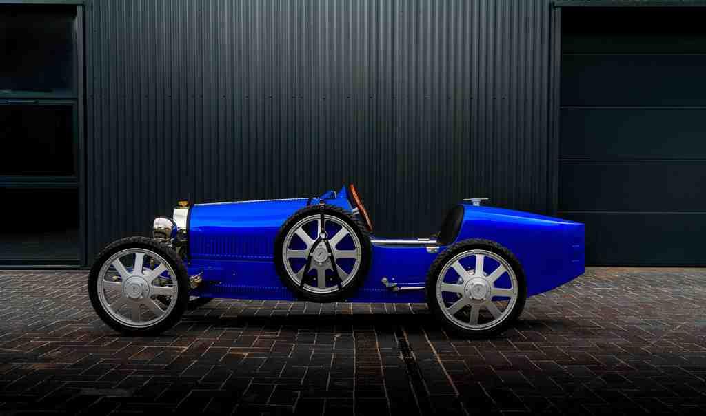 The-Bugatti-Baby-II-in-French-Racing-Blue