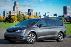 2018 Chrysler Pacifica Hybrid with the Hybrid Special Appearance Package
