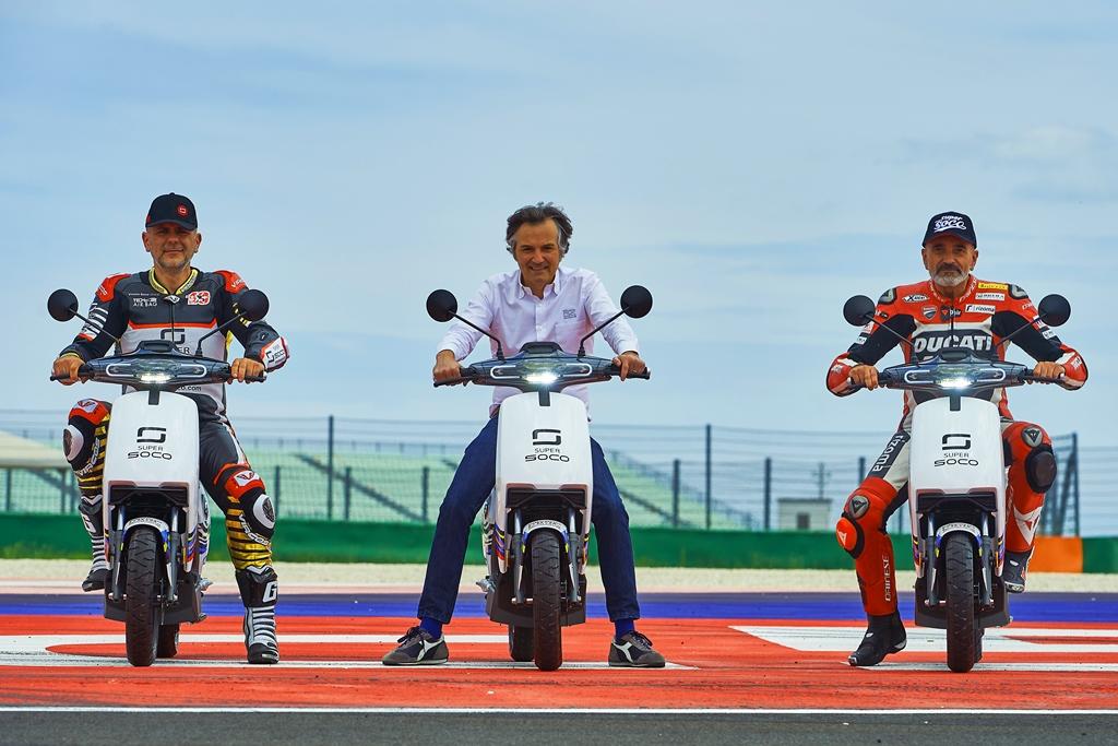 Super-Soco-X-Misano-World-Circuit_Vmoto-Soco-Group-3