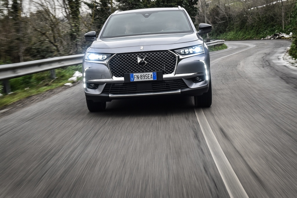 DS-7-CROSSBACK_4