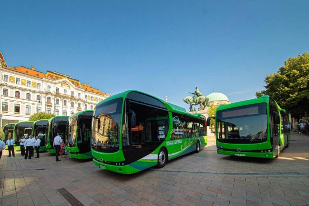byd_consegna_e-bus_pecs_electric_motor_news_01