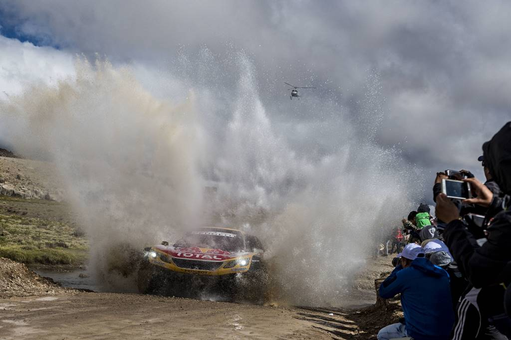 Stephane Peterhansel (FRA) of Team Peugeot Total races during stage 06 of Rally Dakar 2018 from Arequipa to La Paz, Bolivia on January 11, 2018 // Marcelo Maragni/Red Bull Content Pool // P-20180111-00698 // Usage for editorial use only // Please go to www.redbullcontentpool.com for further information. //