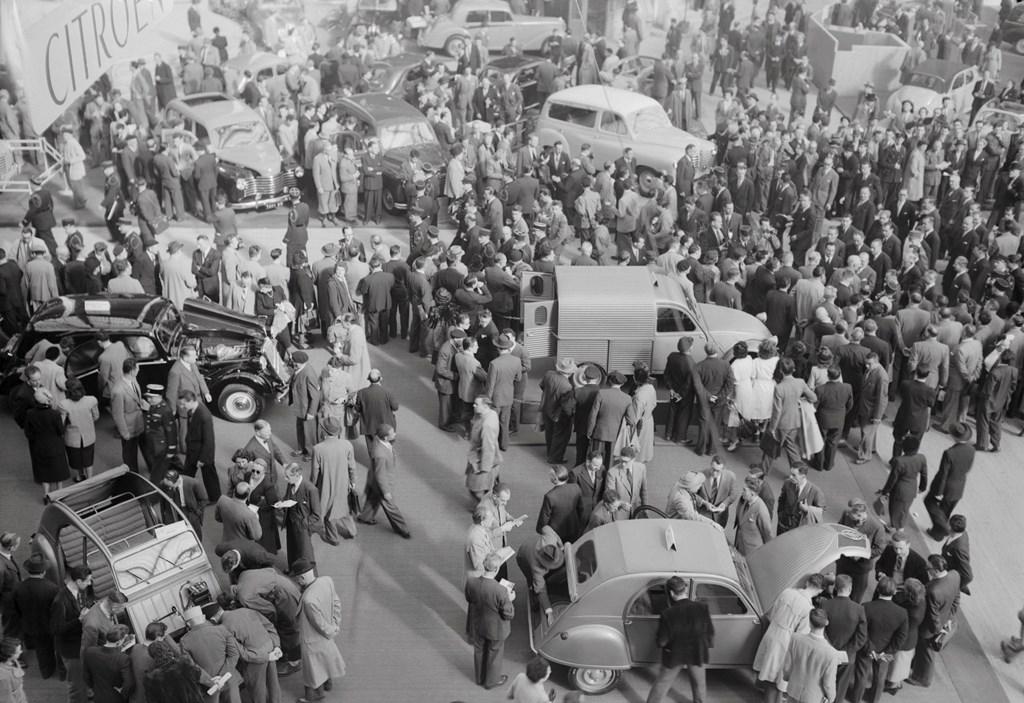 Presentazione-al-Salone-di-Parigi-del-1951