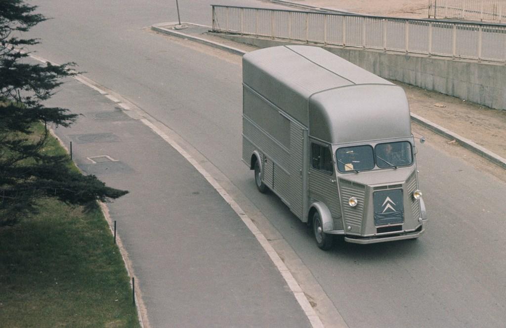 Type-H-allungato-e-rialzato-1963