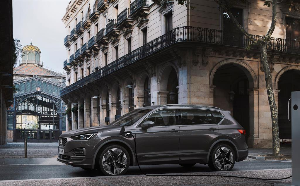 seat_tarraco_fr_phev_concept_car_electric_motor_news_06