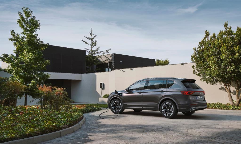 seat_tarraco_fr_phev_concept_car_electric_motor_news_08
