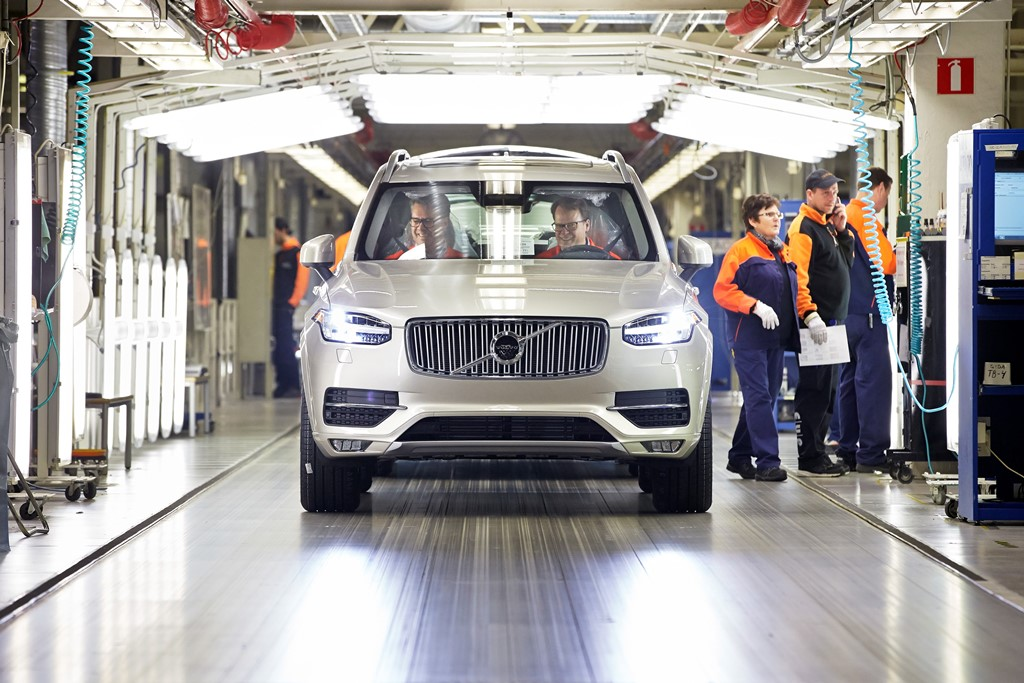First series-produced new Volvo XC90 rolls off the line at Torslanda plant
