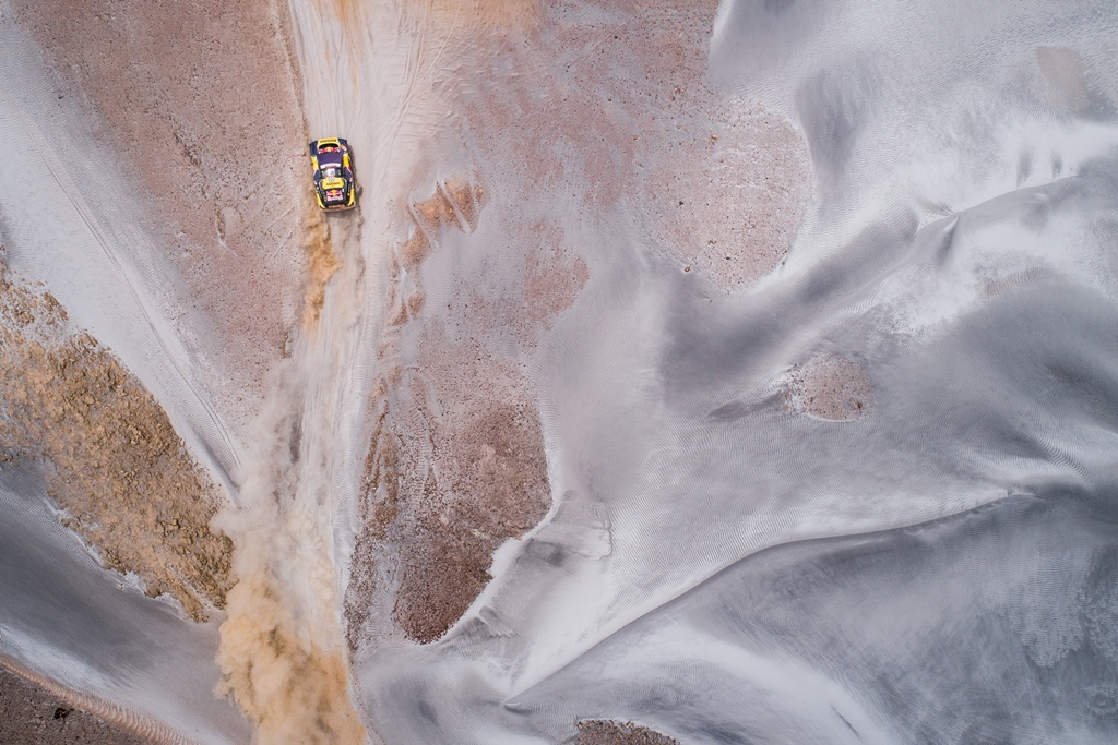 Sebastien Loeb and Daniel Elena in the Peugeot 3008 of the PH-Sport navigating in the sand during stage 4 of the Dakar Rally, between Arequipa and Tacna, Peru, on January 10, 2019.