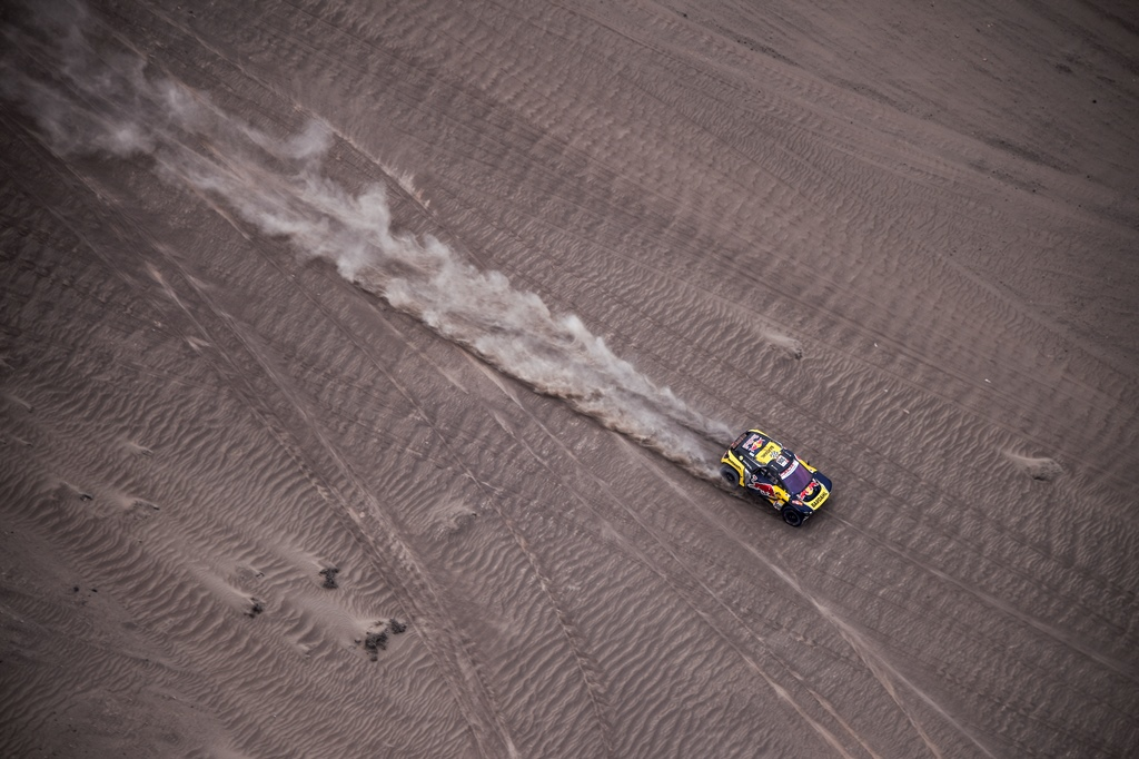 Sebastien Loeb and Daniel Elena in the Peugeot 3008 of the PH-Sport navigating in the desert during stage 3 of the Dakar Rally, between San Juan de Marcona and Arequipa, Peru, on January 9, 2019. // Florent Gooden / DPPI / Red Bull Content Pool  // AP-1Y32SWNH12111 // Usage for editorial use only // Please go to www.redbullcontentpool.com for further information. //