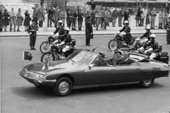 La-SM-Presidentielle-et-la-Reine-dAngleterre-et-le-President-POMPIDOU-1972-23.344.6-copyright-J.-PEYRINET