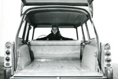 ID19 Break Commerciale, foto del vano di carico con il sedile posteriore abbattuto, 1959