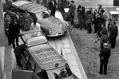 Presentazione Break al Salone di Parigi del '58 (foto 1 scattata davanti al Pre Catelan, al Bois)