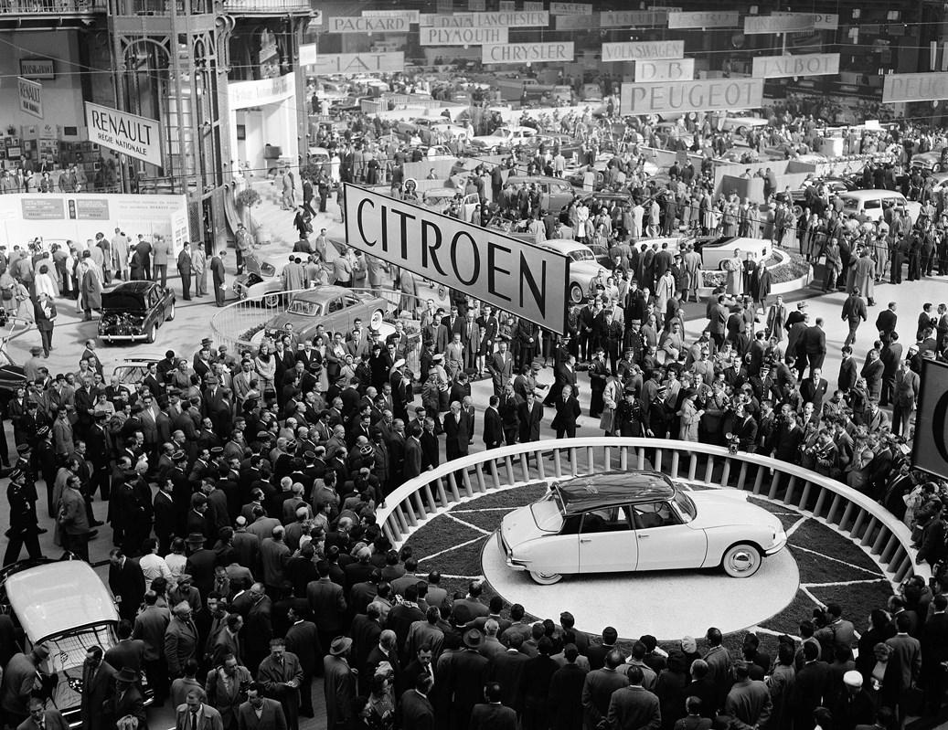 Presentazione DS19 al Salone dell'Auto di Parigi